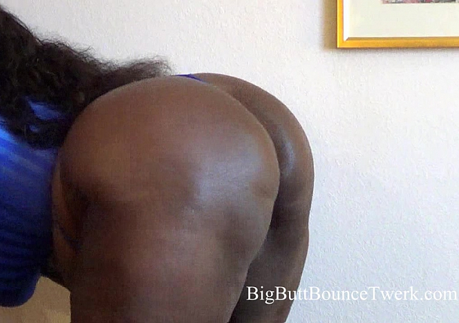 Big Thick Ebony Booty Bouncing 23